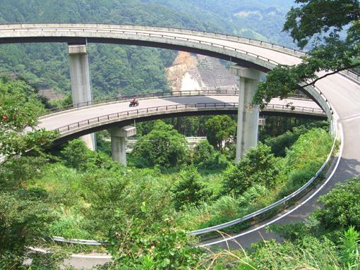 背振ループ橋.jpg